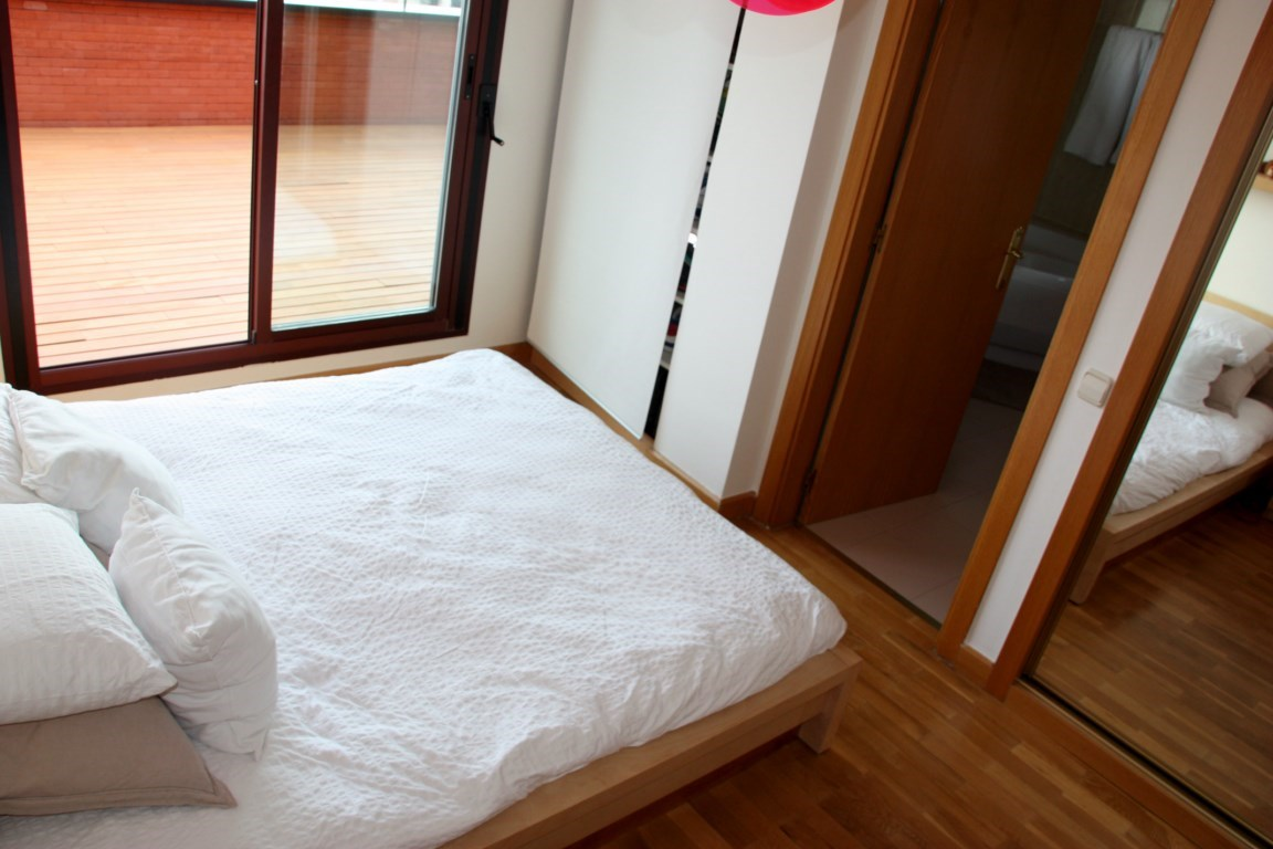 Rent Madrid Penthouse Master Room
